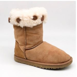 UGG Chestnut Classic Short Boot